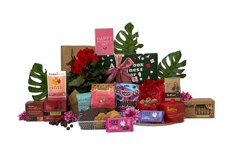 Perfect Gift and Flowers for Mum
